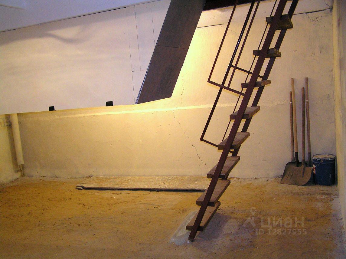 Металлическая лестница в погреб своими руками 954