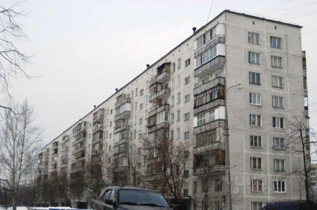 Продается двухкомнатная квартира в москве 45 кв.м., метро Че.