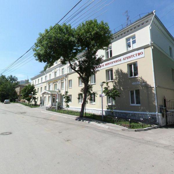 Офисное здание на ул. Алексея Толстого, 116В